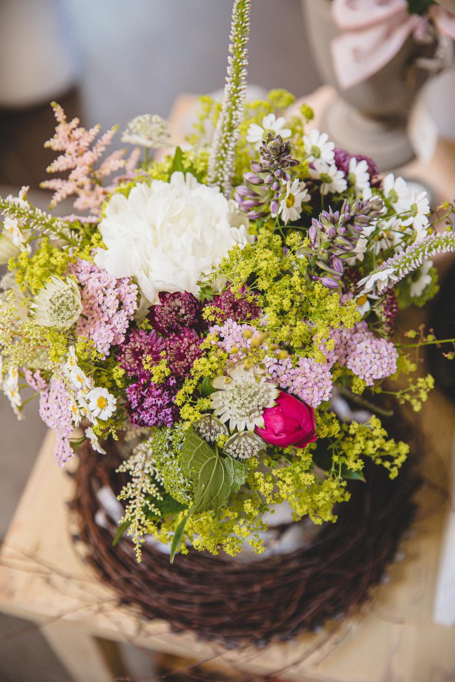 Blumen Kräuter und Geschenke
